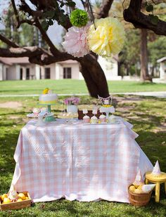 Lemonade Stand Playdate — Celebrations at Home. #mesadedoces