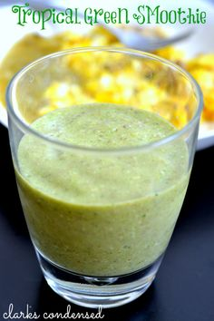 Easy and delicious tropical green smoothie