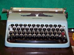 Avoiding formatting mistakes from the beginning, a wordprocessor is NOT a typewriter!