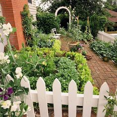 yard garden, white picket fences, brick, garden paths, garden tips, side yards, vegetables garden, walkway, yard ideas