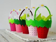 Strawberry Mini Baskets - can be altered for Easter, Halloween, etc quite easily ~ strawberri basket, edible crafts, mini basket, strawberri mini, favor, birthday party crafts girls, basket craft, craft jewelry, parti