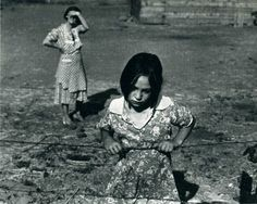 Child and Her Mother, wapato, yakima valley, washington, 1939  dorothea lange