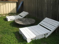 Pallet Lounge Chairs pallet project, idea, yard, lounges, lounge chairs, pallet lounger, pallets, diy, garden