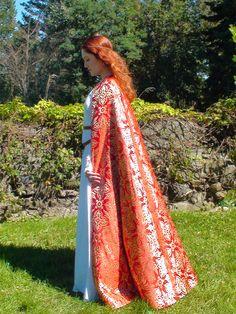 Caerleon Cloak in sunlight