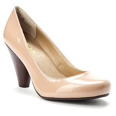Nude color shoes... just what I was looking for!