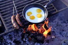 A great breakfast is the perfect way to start a day camping, hiking, backpacking or just RVing... have you tried these outdoors recipes yet? Good stuff :)