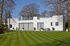 A Renovated, Bauhaus Style House in Hamble le Rice Photo