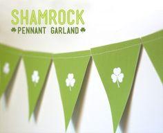 shamrock garland, free st, garland printabl, pennant garland, garlands, st patti, st patrick, free printabl, shamrock pennant