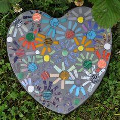 10 Garden Mosaic Projects.