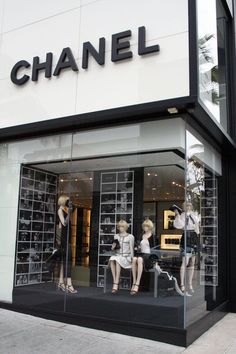 For classic #designer #shopping in #BeverlyHills, visit @Chanel on @Rodeo Drive.