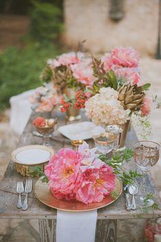 glam tablescape, photo by Day 7 Photography http://ruffledblog.com/metallic-garden-wedding-inspiration #reception #gold #tablescapes