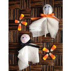 DIY Easy Ghost Lollipops for Halloween parties & treats