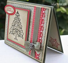 Gorgeous rich colours in this Christmas card.