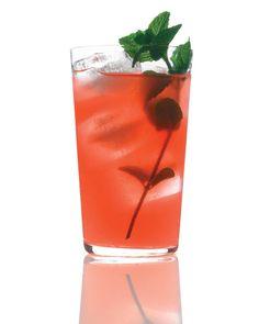 Cocktail sans alcool : framboise et limonade.