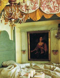 Paris apartment of Amalia de Klemm ~ World of Interiors 18th c pelmet