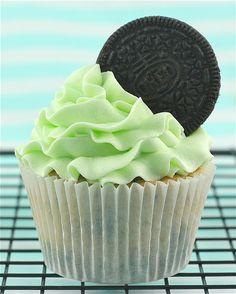 Cool Mint Oreo Cupcake