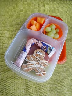 Mummy Halloween Lunch Idea   packed in @EasyLunchboxes by Green Lunches, Green Kids