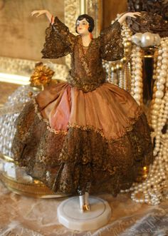 Amazing half doll lamp
