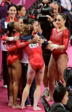 When they won, I cried. No shame. Fab Five #squatshorts