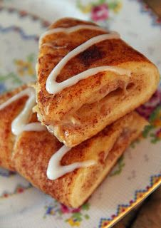 Jo and Sue: Cinnamon Bun Cheesecake Mini Calzones