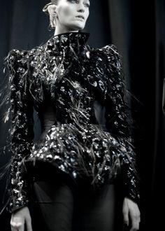 Thierry Mugler: Autumn/Winter 2012 † #hautegoth #goth #fashion #gothic #couture #hautecouture #ThierryMugler #Autumn #Winter #AW #2012