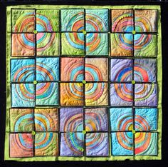 Sherrie loves color!: Circle quilt done