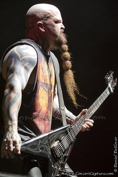 Kerry King of Slayer performs at 2012 Mayhem Festival at First Midwest Music Amphitheater outside Chicago