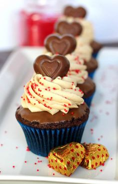Chocolate Peanut Butter Valentine's Cupcakes