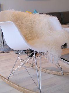 rockin' rocker :: Eames raw chair