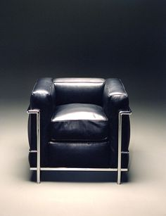 "Le Corbusier  ""LC2"" by Cassina 