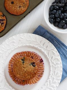 Insanely Good Blueberry Oatmeal Muffins  #lowfat #vegetarian #healthy #snack #breakfast #muffin