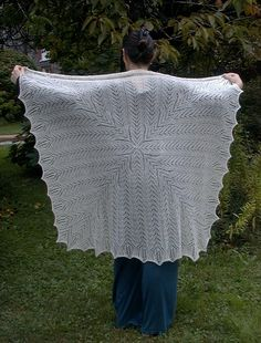 Isis view 2 by BadCatDesigns, via Flickr. The Veil of Isis by Andrea Jurgrau. Knitted Square shawl; free pattern
