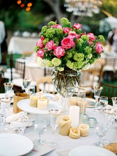 gold, white and pink: wedding table