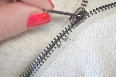 Conductive thread zipper switch