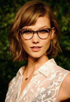 karlie Kloss wears leopard print glasses #frames #model #eyewear #chic