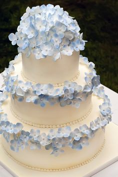 Blue accented wedding cake