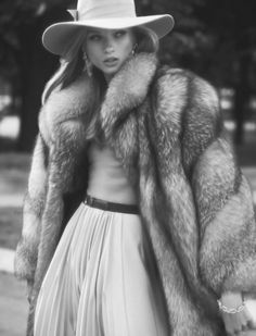 fur | fur coat | model |  black & white | fashion | fashion editorial | photography |