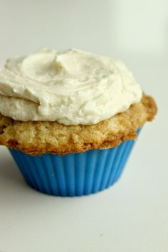 Life's Simple Measures: The NY Baking Company Silicone Baking Cups and French Toast Cupcakes