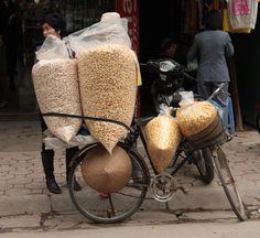 Popcorn vender on the streets of Hanoi, Vietnam - Photo taken by BradJill