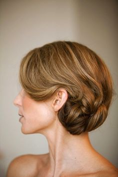 Wedding Hair Inspiration & Tutorials: The Classic Chignon