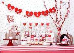 Romántica mesa de postres