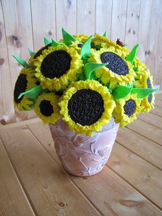 Having a sunflower themed wedding? Have these as your edible centerpieces. Yum!