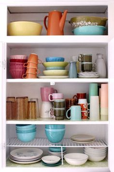heavenly vintage dishes.