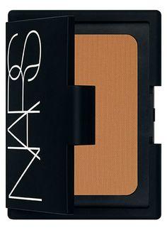 Matte vs. Shimmer Bronzer http://thedailymark.com.au/beauty/makeup/shimmer-vs-matte-bronzer