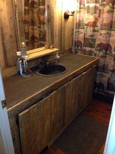 Pallets Bathroom  #Bathroom, #Furniture, #Pallets, #PalletsWall