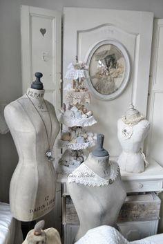 Dress forms on pinterest 146 pins - Dressing liefde ...