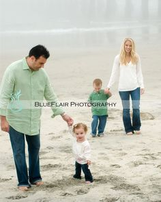 beach family photos beaches, family pics, beach photos, family photo colors, beach famili, photo idea, famili photo, kid, beach family photos
