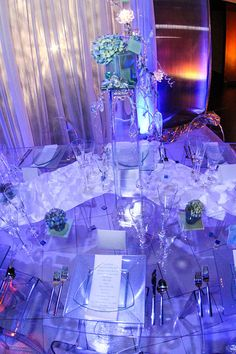 T'Da at ISES - All Digital Photo and Video    Modern Centerpiece
