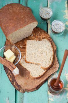 Whole Wheat Honey Bread | KiranTarun.com #bread #homemade #baking #fall #autumn