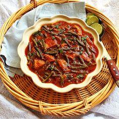Turmeric and Saffron: Khoresh-e Loobia Sabz - Persian Green Bean Stew with Chicken